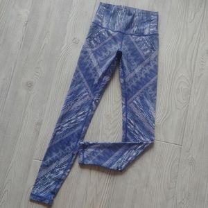(4) Lululemon high-waisted tights!